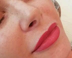 Semi-Permanent Lip Blush